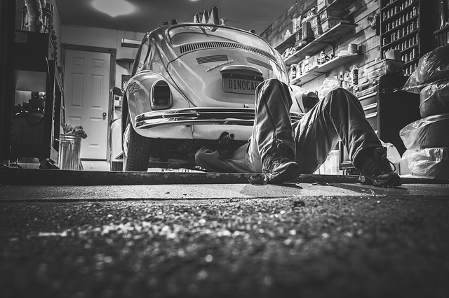 Revisión de coche en verano