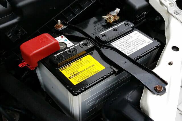 Pasos para cambiar una batería de coche desguacesn430